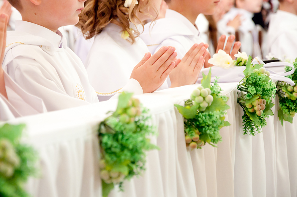 children celebrating a First Holy Communion