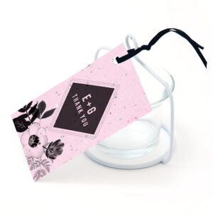 Stylish and eco-friendly, these pretty Black & White Blooms Plantable Favor Tags will top off your wedding favors in a special way that adds a plantable gift!
