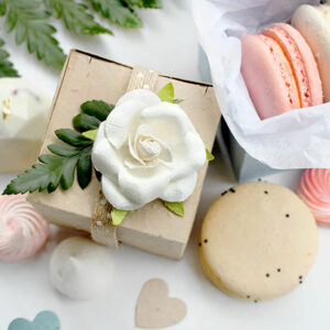 Wheather fill with sweet treats, confetti or a gift, these plantable boxes will add the gift of flowers to your wedding favors.