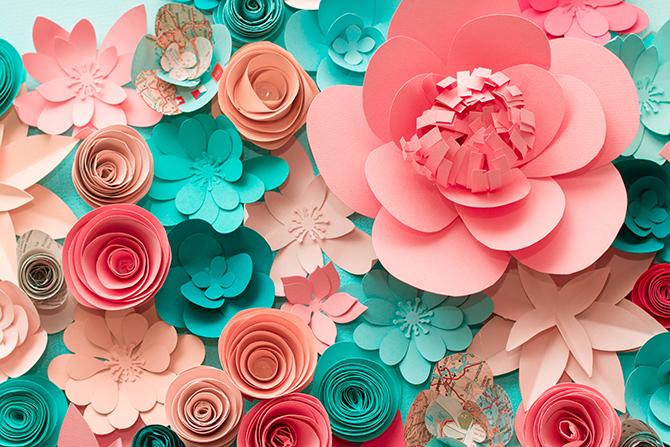 Check out these paper flowers and other alternatives to balloons for eco-friendly parties!