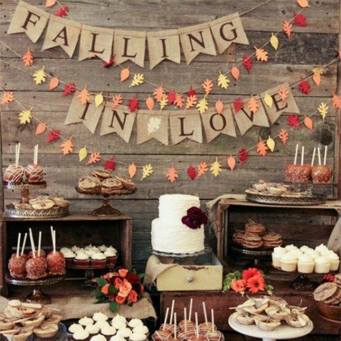 We're loving this dessert table for #fall weddings! See more details for autumn #weddings here!