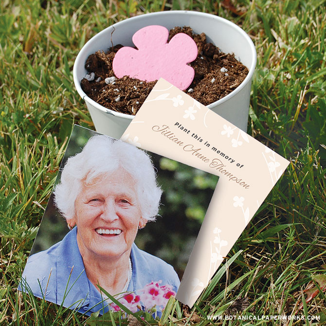 These Photo Memorial Seed Cards are ideal for green burials. You'll be able to give loved ones a little keepsake along with a plantable gift they can plant to grow wildflowers.