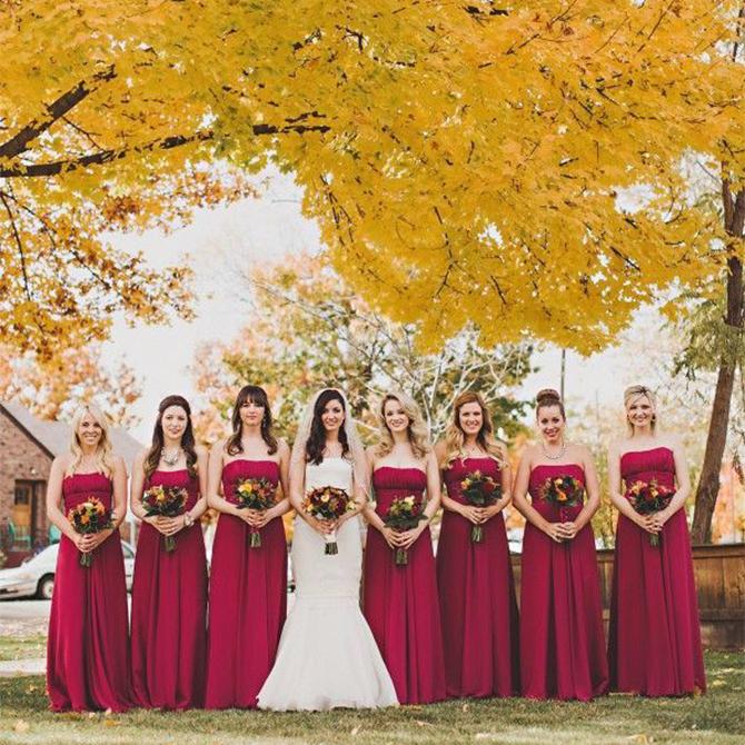 These #crimson bridesmaids dresses are perfect for #autumnweddings!