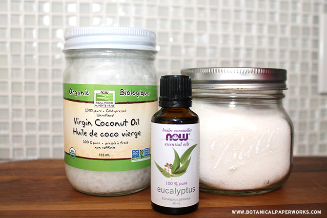 3-Ingredient Body Scrub | Find out how to make eco-friendly wedding favors with coconut oil, eucalyptus oil + sugar. #ecofriendlyweddings #ecofriendlyweddingfavors #DIY #bodyscrub