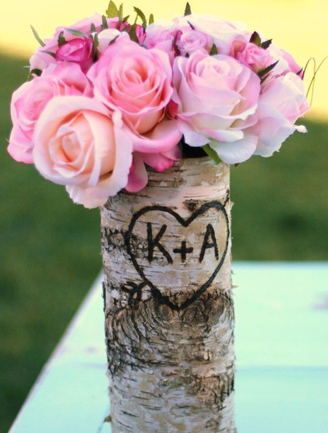 These log flowers make the most beautiful centerpieces at Eco-Friendly Weddings.