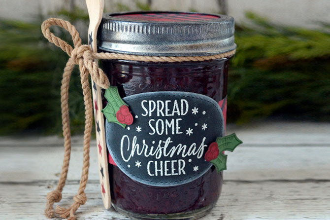 Get more ideas like this festive jam gift to make holiday gifts that are sweet, memorable and eco-friendly in this round up of Homemade Holiday Gifts.