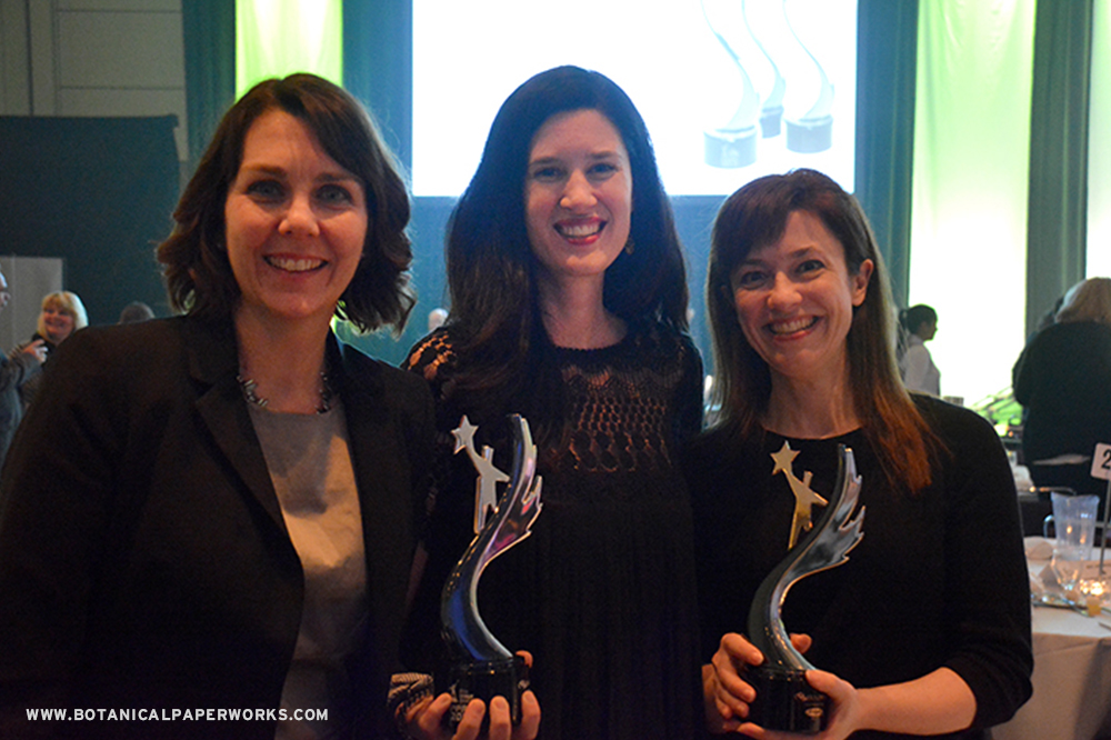These ladies sure do look great holding those shiny awards from the Image Awards in Toronto!