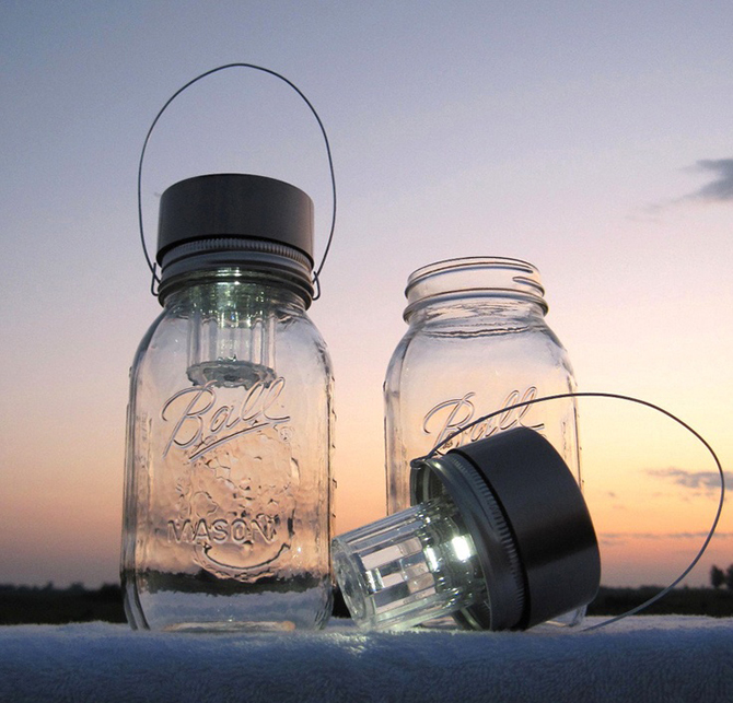 Set the mood for Eco-friendly Weddings in a natural way by using these rustic mason jar lights!