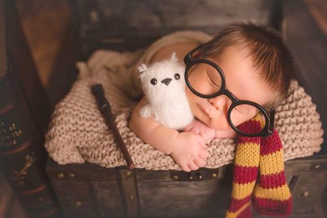 Get ideas like this Harry Potter theme for new born baby photos.