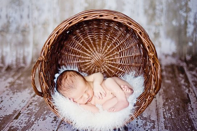 See more adorable ideas for new born baby photography.