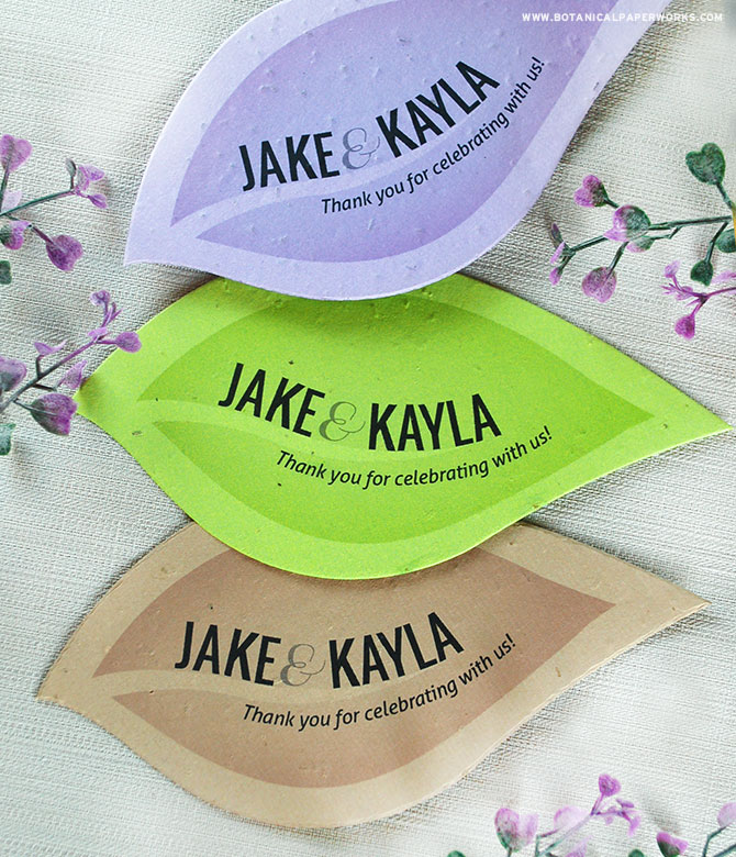 Get ideas and learn about how these Leaf Plantable Shape Wedding Favors give your guests wildlfowers.