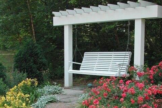 Find out how you can make a peaceful #memorialgarden to help #grieve and remember a loved one.