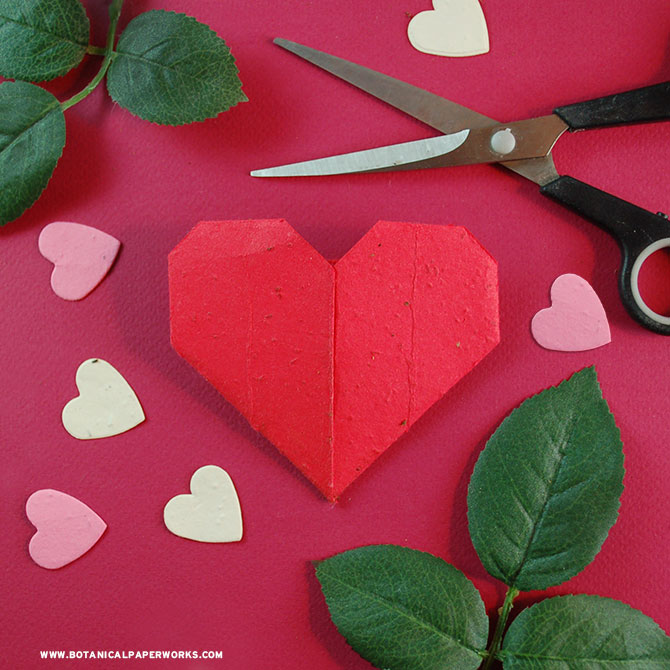 Find out how to make these easy & #ecofriendly #Origami Seed Paper #ValentinesDay Hearts using 100% biodegradable materials that actually grow REAL wildflowers! #DIY #craft