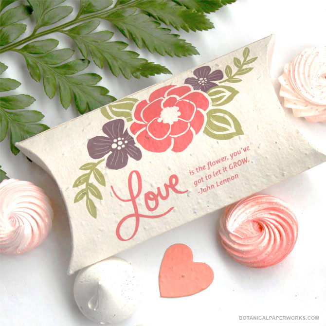Created with lush and romantic #floral details, the Pillow Box #SeedPaper #WeddingFavors are a beautiful way to bundle your #wedding favors.