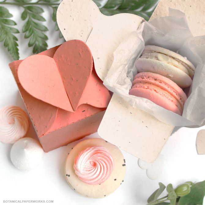 A stylish and tree-friendly addition to any #wedding theme, these Heart Seed Paper #WeddingFavorBoxes will put even more love into your chosen #weddingfavors.