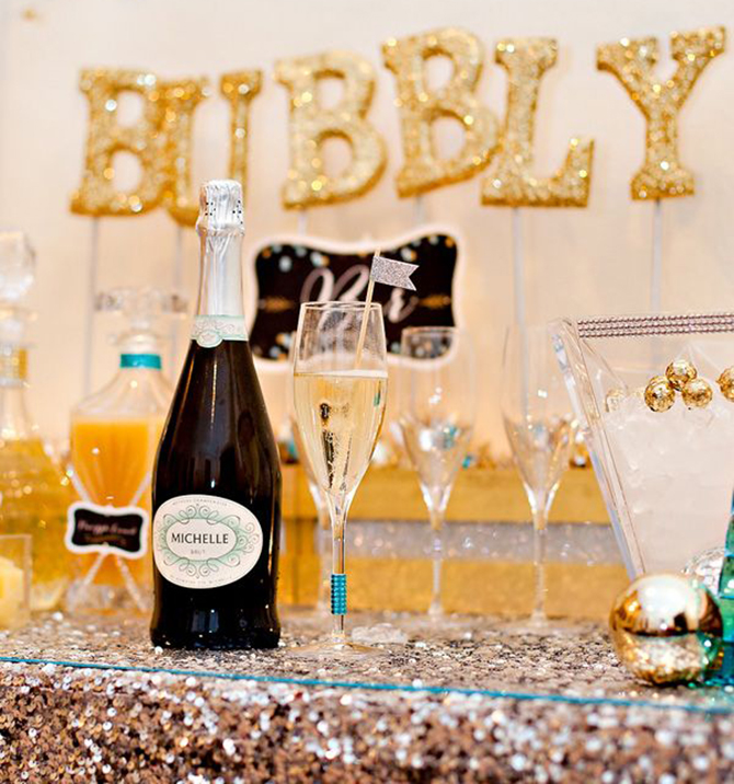 Offering your guests a delicious and sparkling Bubbly Bar at your NYE festivities is a surefire way to make their night! Learn more about it here.