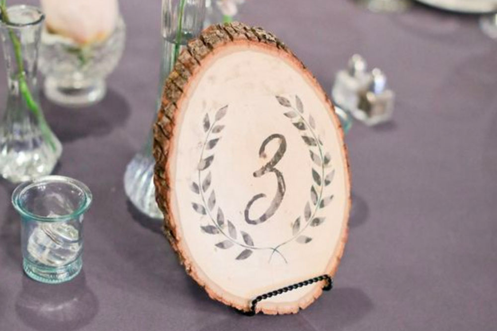 Look to nature to decorate for your eco-friendly wedding. With a little creativity, you can save money and help reduce waste.