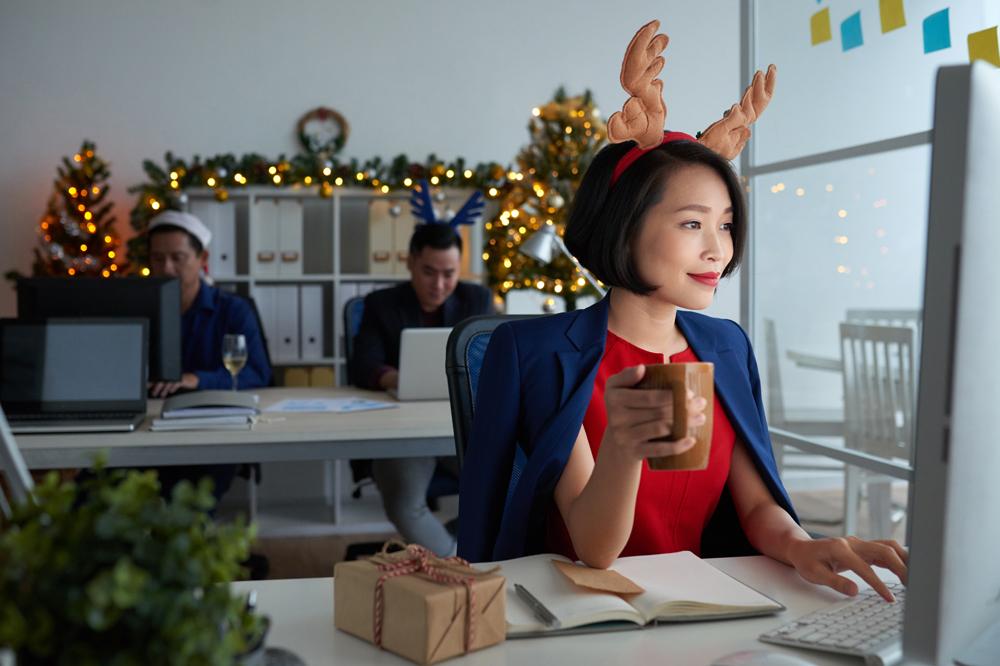 employee working during holidays